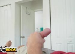 'BANGBROS My Dirty Maid Эшли Барби позволяет мне трахнуть ее сексуальную большую задницу'
