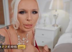 Brazzers горячей милфе Sophie Anderson долбят в ее киску