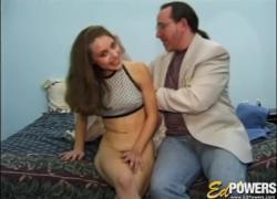 'EDPOWERS 18лет Донна мастурбирует перед кончил'
