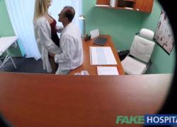 FakeHospital Новая медсестра получает двойной кончил