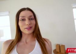 FIT18 Kamryn Jayde Casting Брюнетка Stunner для бледной кожи