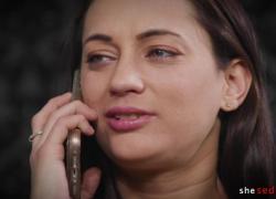 'жена обнаруживает, что ее муж изменяет молодой проститутке Джорджии Джонс Гвен Виксиус'