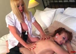 Грудастая британка Red Red получает чувственный массаж