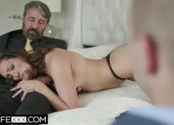 'hotwifexxx сексуальная латина жена Белла играет с большим членом для мужа'