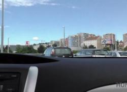 HUNT4K Шлюховатая девушка занимается грязным сексом в машине на глазах у парня