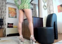 Идеальные ножки красивые каблуки светлые ноги