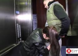 'Итальянка Ребекка жестоко трахнута на улице глубоким анальным сексом'