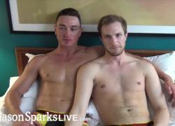 JasonSparksLive мускулистый мужик с большой елдой глубоко трахает эту юную дырочку в любительском видео