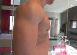 'Канадский красавчик изгибает свои мышцы для тебя Maskurbate'