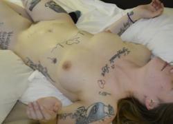 крошечная белая девушка Бризи любит BBC gangbang13