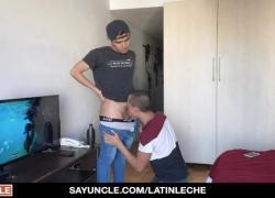 Латиноамериканские парни встречаются и трахают друг друга за деньги
