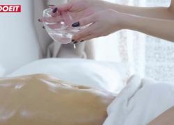 LETSDOEIT Брюнетка-массажистка жестко выебана своим клиентом