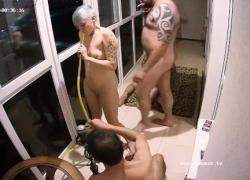 'Lustfu Stepmom Adults начал горячий групповой секс в квартире на балконе'