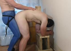 'Муж привязан клоном собственного пениса'