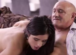 OLD4K Удивительное действие порно в исполнении молодых Лесся и старым любовник