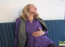 'OldNannY Горячая бабушка нуждается в жестком трахе'
