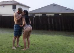 Романтический секс под дождем в Техасе нас увидели соседи