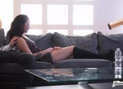 Сексуальная любительская молодой хочет трахнуть Джеймса Дина