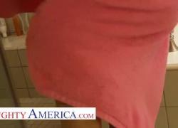 'Шаловливая Америка Рэйчел Рокс ебется с сахарным папочкой'