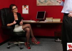 spex сексуальная шлюха наблюдает за женским неудачником