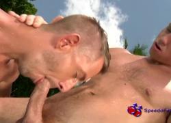Спидометр мужчины сосание петух