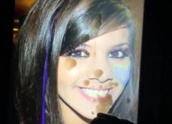 Супер милая 18-летняя танцовщица сперма на лицо
