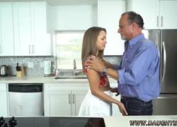 Тинку поймала полиция и старая Лиза в домашнем видео