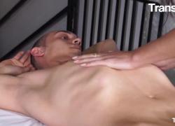 ТрансБелла Изабелла Бранко, сексуальный бразильский транс, интенсивный анальный секс втроем с двумя возбужденными парнями