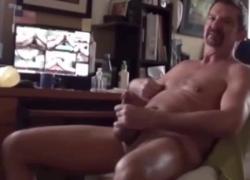 'Трибьют спермы от Papi Fachero, смотрящего ебут клипы TheBootieBandit'