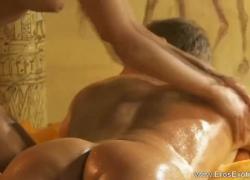 Турецкий массаж плюс мастурбирует